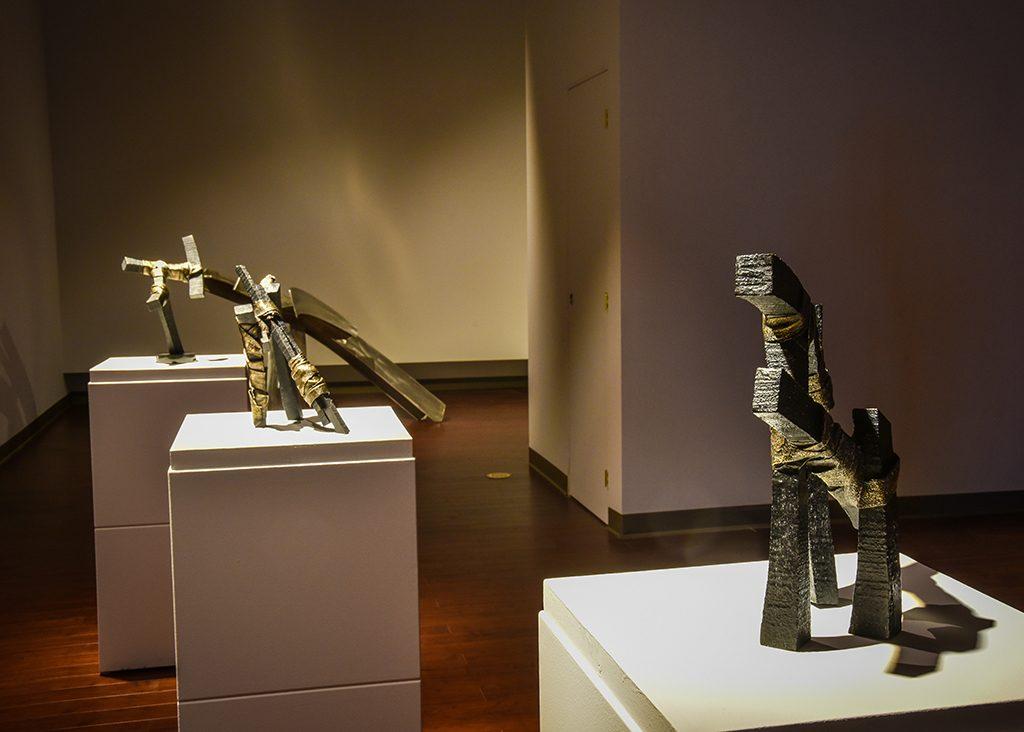 Momentum I, 2016, bronze, 37,5 x 35,5 x 15 cm, Momentum II, 2016, bronze, 33 x 28 x 18 cm, Momentum IV, 2016, bronze, 41 x 25 x 21,5 cm