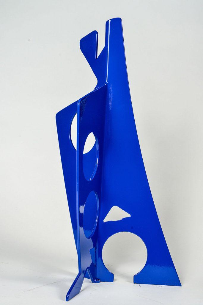 Le geai bleu, 2017, acier inoxydable peint, 72 x 38 x 38 cm