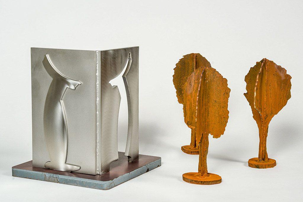 Carrefour, 2017, acier corten, acier et acier inoxydable, 29 x 52 x 25 cm