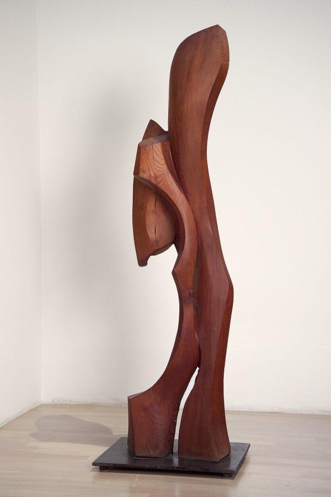 Sans titre, 1977, bois, 157 x 51 x 38,5 cm