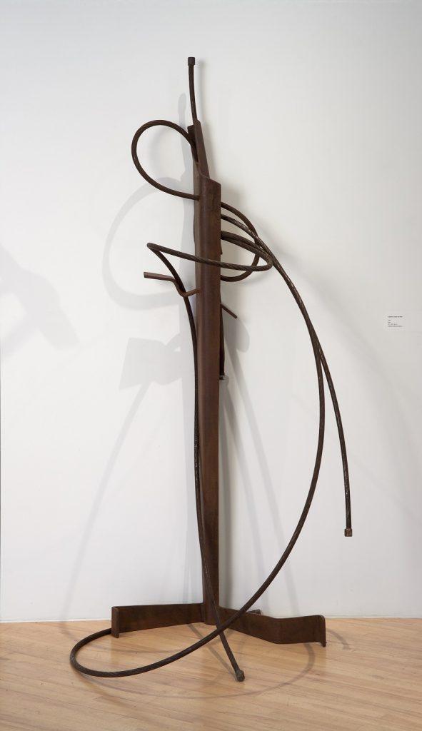 Liaison corps et âme, 1989, acier, 191 x 88 x 96 cm