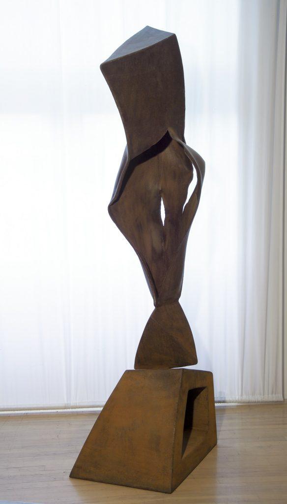 La déchirure, 2000, acier, 200 x 84 x 55 cm