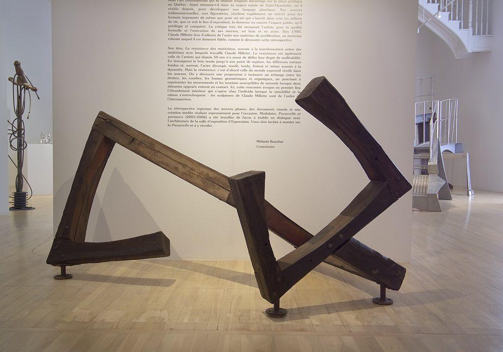 Suite stellaire, 1979, bois enduit, 136 x 244 x 161 cm