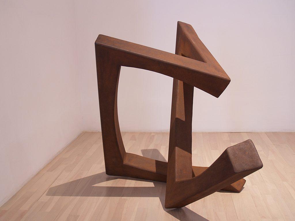 Trajectoire no 7, 1980, acier 98,5 x 116 x 84 cm