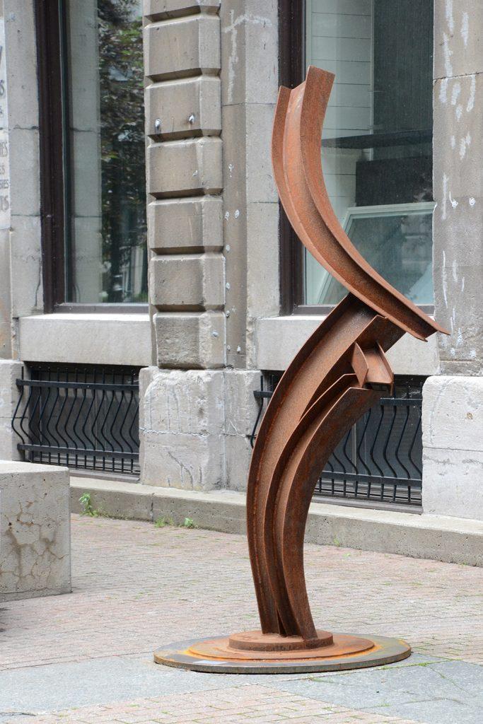 Crescendo II, 2011, acier corten, 240 x 110 x 60 cm