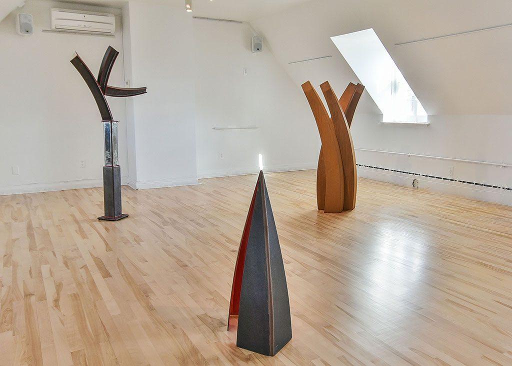 Æquilibrium IV, version Bishop, 2016, installation, acier corten et acier corten peint, 180 x 300 x 350 cm
