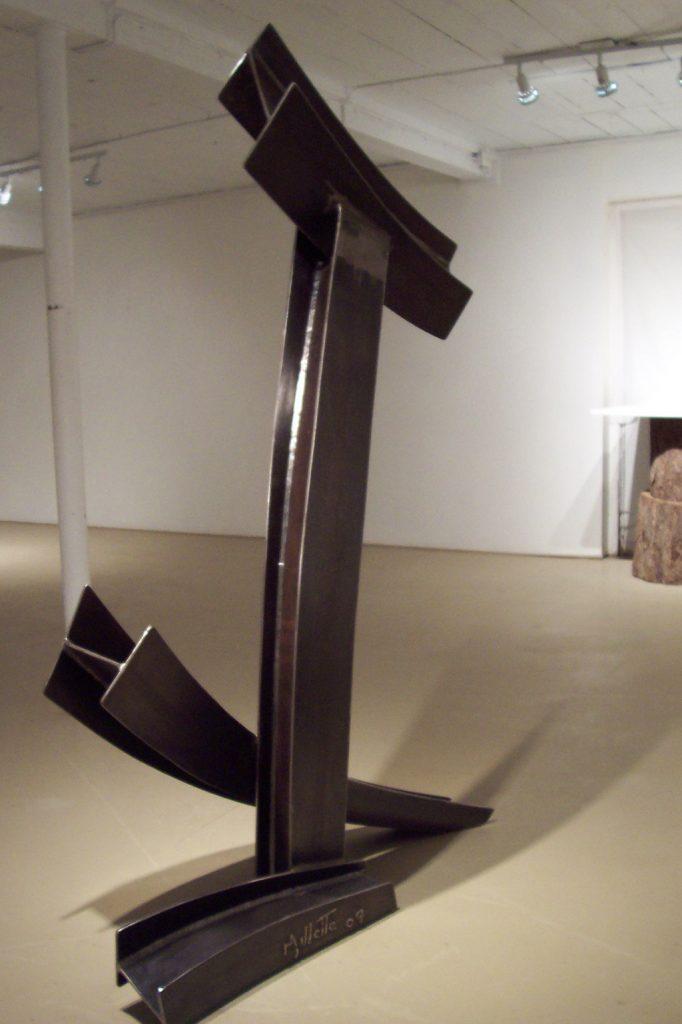 L'ancrage, 2007, acier corten, 170 x 85 x 45 cm